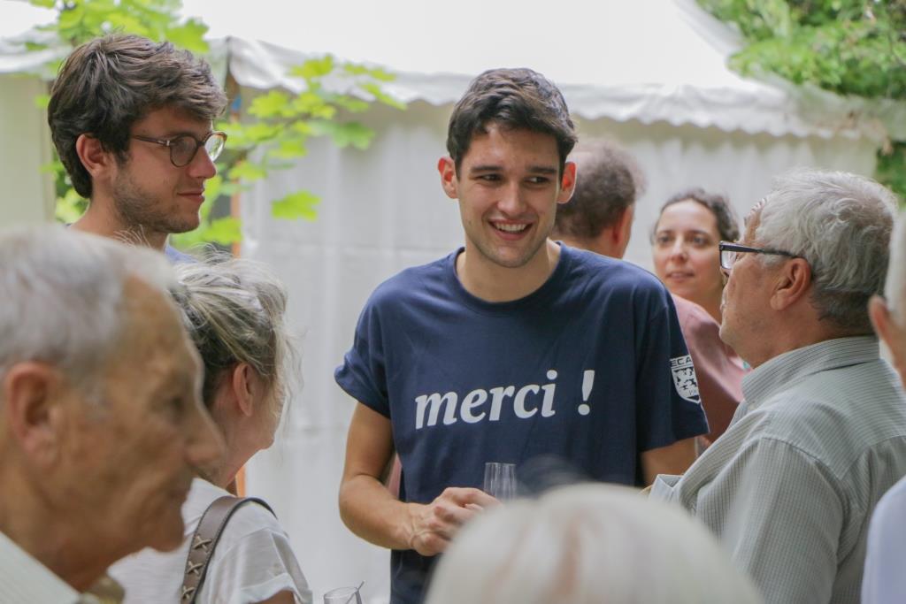 rencontre rencontre site senior français de gratuit lyon  Cette maman mène de front l'accueil Retrouvez et contactez les.
