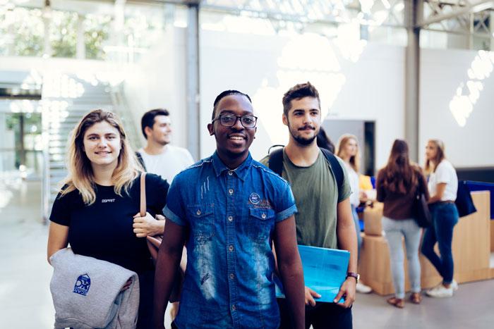 international-students-campus-ecam-lyon-france