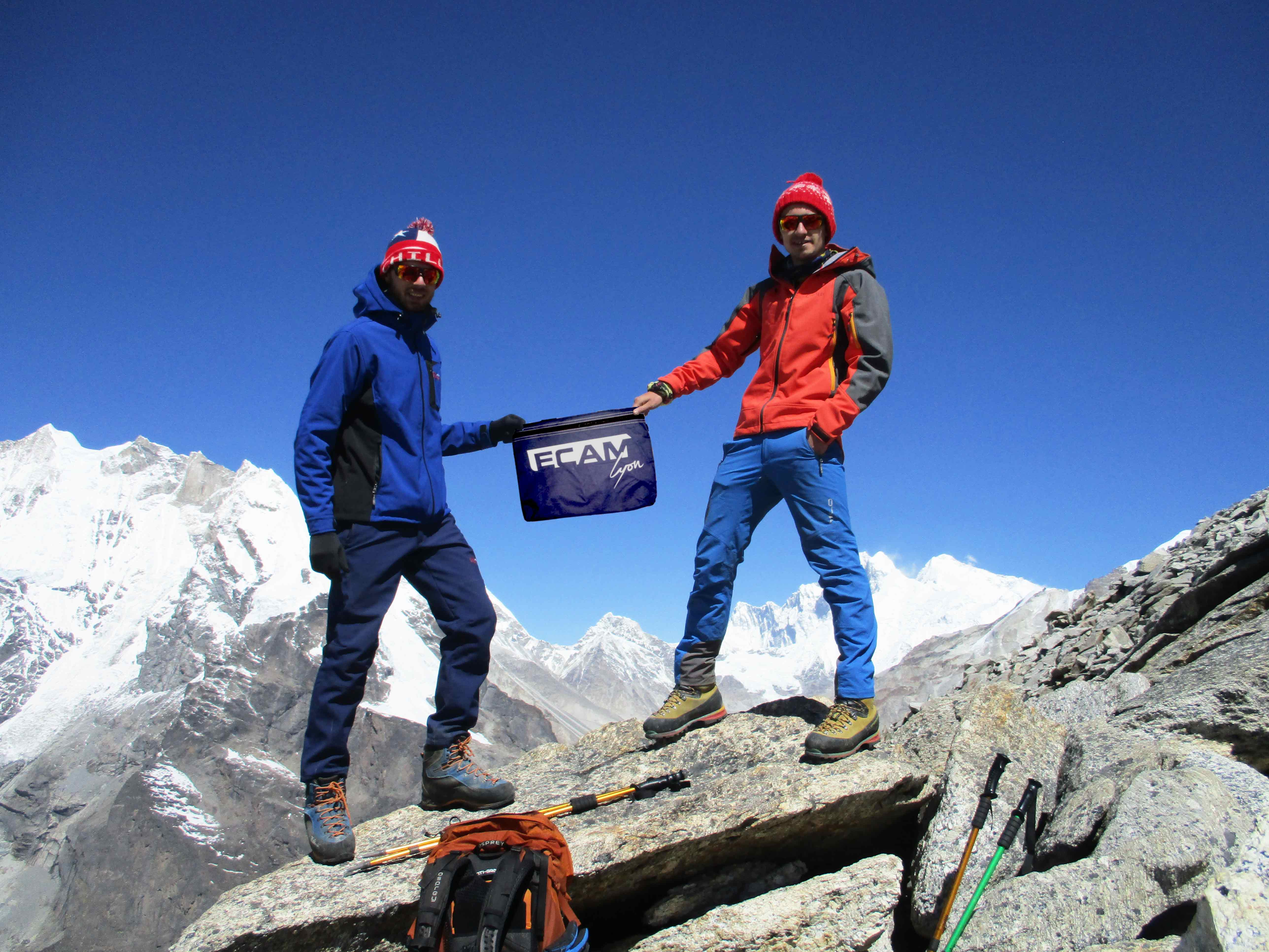 etudiant-ecam-cesure-nepal